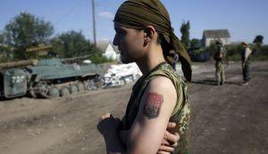 un-soldat-ukrainien-pres-de-lougansk-ukraine-le-20-aout-2014_5016851