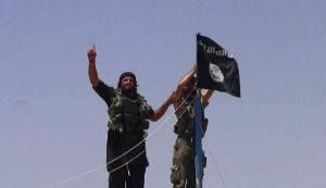 une-photo-diffusee-sur-le-compte-twitter-d-al-baraka-montre-des-combattants-de-l-etat-islamique-le-11-juin-2014_5013745