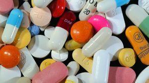 cachets-et-gelules-de-medicaments_4897367