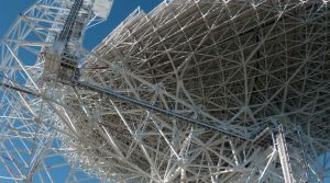 le-green-bank-telescope-photographie-le-29-octobre-2014-a-green-bank-virginie-occidentale-radiotelescope-qui-traque-les-signaux-venus-de-l-espace_5147867