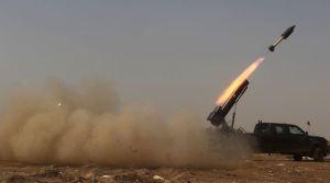 les-forces-gouvernementales-irakiennes-envoient-une-roquette-contre-le-groupe-etat-islamique-dans-la-banlieue-de-tikrit-le-30-mars-2015_5312031
