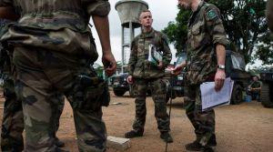soldats-francais-le-6-decembre-2013-sur-une-base-militaire-au-cameroun-avant-leur-depart-pour-la-centrafrique_4551568