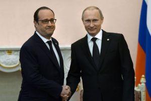 le-president-francais-francois-hollande-g-et-russe-vladimir-poutine-le-24-avril-2015-a-erevan_5327431