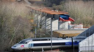 le-reseau-de-lignes-ferroviaires-a-grande-vitesse-en-france-est-trop-vaste-et-peu-coherent-avec-une-rentabilite-en-baisse-et-un-cout-devenu-non-soutenable-estime-la-cour-des-comptes_5135473