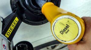 la-taxation-du-gazole-augmentera-d-un-centime-par-litre-en-2016-puis-en-2017-et-celle-de-l-essence-sera-reduite-du-meme-montant-sur-la-meme-periode_5445903