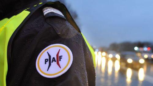 un-agent-de-la-police-aux-frontieres-paf-sur-l-a31-a-la-frontiere-avec-le-luxembourg-le-19-novembre-2015_5467524