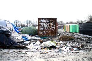 le-terrain-detrempe-accueille-pres-de-1-800-personnes_5518419