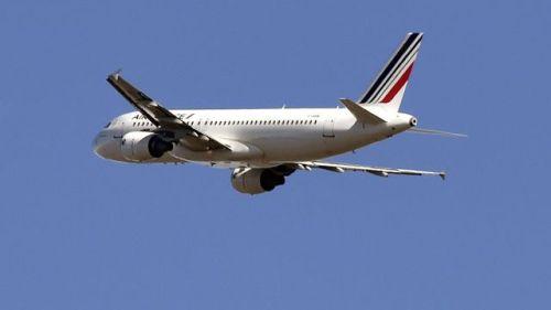 un-airbus-a320-de-la-compagnie-air-france-decolle-de-l-aeroport-de-toulouse-blagnac-le-10-fevrier-2015_5399267
