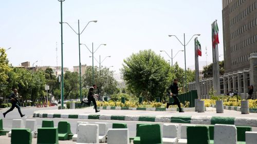 iran-twin-attacks-leave-at-least-seven-dead_5893283